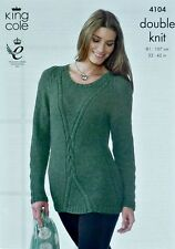 Tejer patrón ladies long sleeve Roundneck Cable Largo Jumper DK kingcole 4104