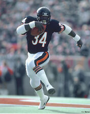 WALTER PAYTON CHICAGO BEARS 8 X 10 PHOTO WITH ULTRA PRO TOPLOADER