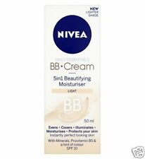 NIVEA Diario ESSENTIALS CREMA BB 5 in 1 Embellecimiento Hidratante CLARO 50ml