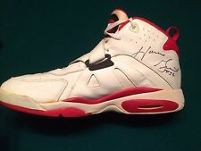 Horace Grant Chicago Bulls Game Worn and Signed Shoe - 3x NBA Champion - Jordan