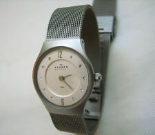 SKAGEN DENMARK WOMEN 233XSSS1 SUPER SLIM STAINLESS WATCH MESH BAND SWAROVSKI CRS