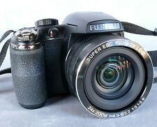FujiFilm Finepix S4200, 14 MP, Digital Kamera, absolut neuwertig, OVP.
