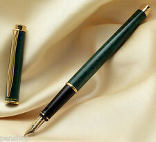 Pelikan New Classic P381 Fountain Pen Green Marble, Gold Trim 14k Broad Nib NEW