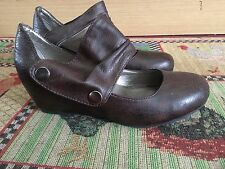 Brown Wedge Heeled Shoes With Stud Fastening Strap Size 5 By Cabingni