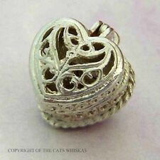 VINTAGE SILVER OPENING RINGBOX CHARM