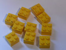 Lego yellow bricks 2 x 2  ou briques jaunes