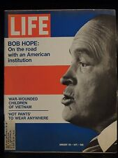 LIFE January 29,1971 Bob Hope / Hot Pants / Mercury Poisoning / Lau Goes Home