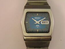 Vintage Seiko DX Watch Fancy Blue Dial Day/Date 1970's 6106-5499 w/ Band