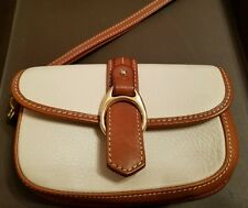 Authentic Dooney & Bourke Medium Wristlet Clutch Leather Brown/White Ret. $99