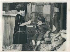 1933 CA Mentally Challenged Boy Kept in Chicken Coop Fed by Sister  Press Photo