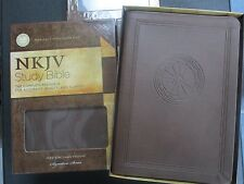 ** NKJV Study Bible **: Chocolate LeatherSoft **INDEXED ** 9pt Font - NEW    752
