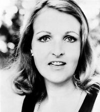 Penelope Keith 10 x 8 UNSIGNED photo - P1138 - GORGEOUS!!!!!