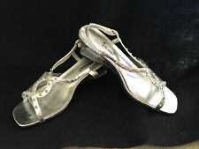 "Vintage 1970'S ""Annie"" Silver Tone Clear Plastic W/ Lucite Clear Heels - 7Ww"