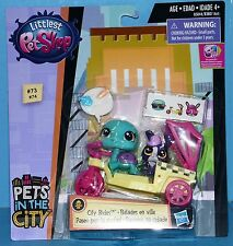 Littlest Pet Shop CITY RIDES VEHICLES WAVE 1 TURTLE & BUNNY IN RICKSHAW