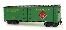 USA Trains R16508 REA 40 Ft. Refrigerator Car, Ultimate Series, 1:29 mit Kadee