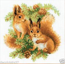 Riolis 1491 Eichhörnchen Stickpackung Stickbild - gezählter Kreuzstich 25*25 cm