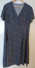 Cotton Traders Short sleeve navy blue Daisy Print v Neck Dress uk Size 14