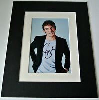 Sam Claflin Signed Autograph 10x8 photo mount display Film Hunger Games & COA