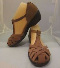 CLARKS Unstructured Tan Suede Strappy Sandals Sz 8 M - VGUC Covered Toe Wedge