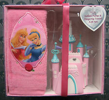 DISNEY PRINCESS Soap/Lotion Pump & Fingetip Towel Gift Set nwt