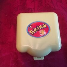 Vintage Pokemon Polly Pocket caso con 2 figuras Charmander y Evie
