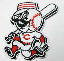 LOT 0F (1) MLB CINCINNATI REDS (BAT BOY) EMBROIDERED BASEBALL PATCH ITEM # 56