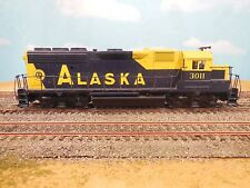 HO ATHEARN/CHARLIE'S ALASKA TRAINS ALASKA GP40-2 DIESEL LOCOMOTIVE CUSTOM DEC