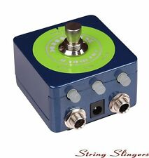 Mooer Spark Tremolo Effects Pedal, glow in the dark, MSPARKT1