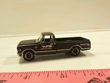 1/64 CUSTOM 1972 CHEVROLET C10 AGCO OLIVER WHITE TRACTOR DEALERSHIP TRUCK ERTL
