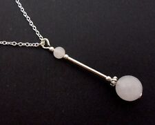 A LOVELY OPAQUE WHITE JADE BEAD  PENDANT NECKLACE.  NEW.