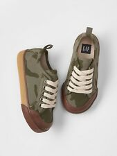 GAP Baby / Toddler Boy NWT Size US 7 / EU 24 Camo Canvas Lace-Up Sneakers Shoes