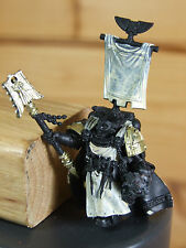 CONVERTED SPACE MARINE DARK ANGEL CHAPLAIN BIONIC ARM CARRYING HELMET (2397)