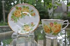 Vintage ROYAL ALBERT Bone China England YELLOW TEA ROSE Set Cup & Saucer #839056