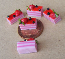 1:12 Scale 5 Strawberry Slice Cakes Dolls House Miniature Kitchen Accessories Ly