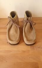 CLARKS ORIGINALS WALLABEE Chukka Boot, Sand Suede, Taupe, Size 10