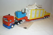 """ SIKU "" MODEL - DAF 95 - LOW LOADER WITH GAS STATION - 4018"
