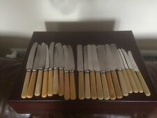 LARGE COLLECTION OF DINNER/TEA KNIVES INCLUDING WALKER & HALL. SHEFFIELD) MK 890