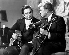 """STILL FROM """"THE JOHNNY CASH SHOW"""" FEATURING EDDIE ALBERT - 8X10 PHOTO (AA-898)"""