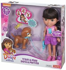 DORA TRAIN AND PLAY DORA & PERRITO 40+ ENGLISH & SPANISH PHASES CGT65 *NEW*