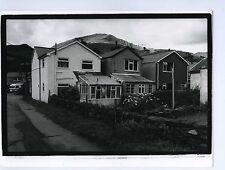 PHOTO noir & blanc ENGLAND ville architecture maison scène de genre