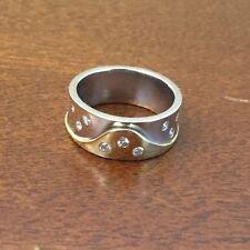 Two Tone Yellow White 18K Gold .27cts Diamond Band Ring Size 6.5