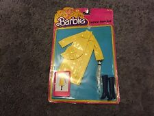 BARBIE FASHION FAVORITES # 3792 RAINCOAT UMBRELLA BOOTS  OUTFIT  MATTEL 1979