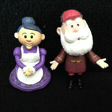 Lot of 2 Rudolph Island of Misfit Toys Santa & Mrs. Clause Figurines Christmas