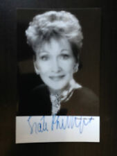 SIAN PHILLIPS - GREAT WELSH ACTRESS - EXCELLENT SIGNED PHOTOGRAPH
