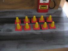 1:24 Pylonen Set Gelb/Rot 20 Stk , Pylonen,Absperrung,Hütchen,Diorama,Neu