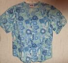 NWOT WOMENS / JUNIORS S/S BLUE FLORAL PRINT SCRUBS TOP SIZE M