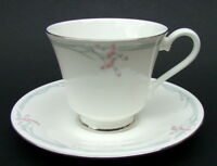 Royal Doulton Carnation H5084 Pattern 1st Quality Tea Cups & Saucers Look in VGC