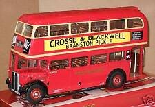 SunStar 2921 London Transport AEC/RT Bus 1/24th Scale