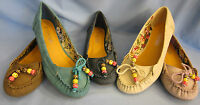 LADIES  FLAT CASUAL MOCCASIN SHOE WITH BEADED BOW DETAIL (SPOT ON F8719)