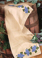 PRIMITIVE FOLK ART COUNTRY BLUE KHAKI VINEYARD GRAPS TABLE RUNNER